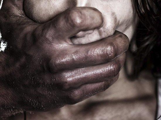 В самом центре калмыцкой столицы средь бела дня изнасилована женщина