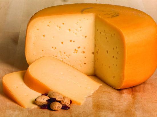 В порту Калининграда задержали 25 тонн сыра Гауда