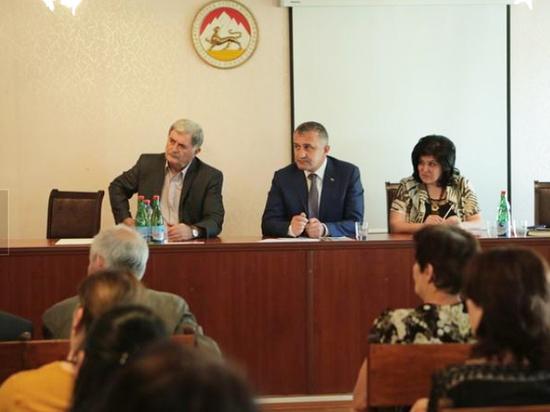 Власти Южной Осетии объявили военные сборы на фоне обострения в Грузии