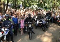 В Ставрополе детей посадили на мотоциклы