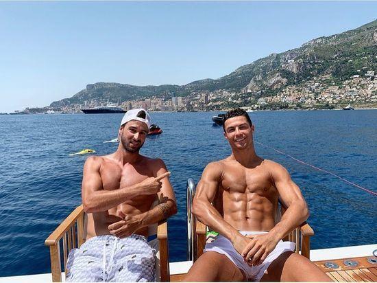 «Яхта, парус...»: Роналду и другие футболисты выбирают отдых богачей