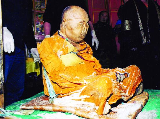 Ученые: нетленное тело Хамбо Ламы Итигэлова существовать не может, но оно существует