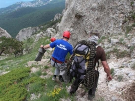 В лесах Кабардино-Балкарии спасатели проводят поисково-спасательную операцию