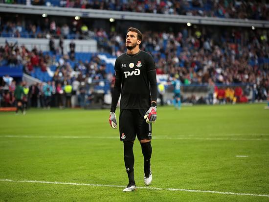 Новое руководство клуба отказывается оплачивать лечение Тарасова и предлагает издевательский контракт Гильерме.