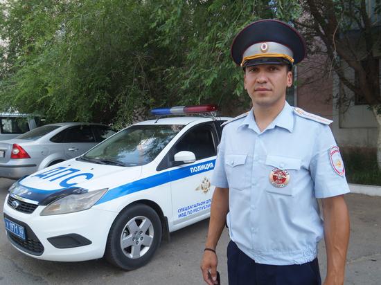 В Бурятии полицейский помог доставить в больницу ребенка