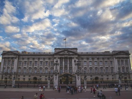 В Лондоне неизвестный пытался пробраться в королевскую спальню