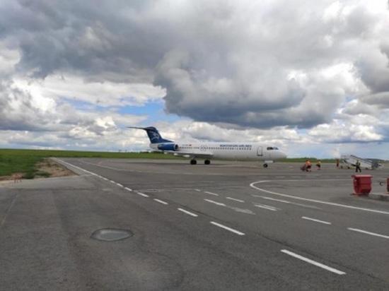 Прокуратура заинтересовалась экстренной посадкой самолета в аэропорту Калуги