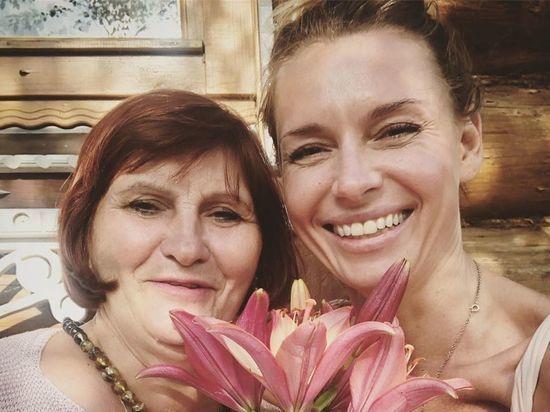 Любовь Толкалина приехала в Рязанскую область на день рождения мамы