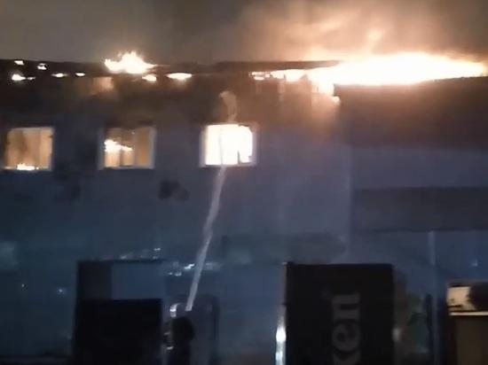 В Нижнем Новгороде сгорело административное здание на улице Чаадаева