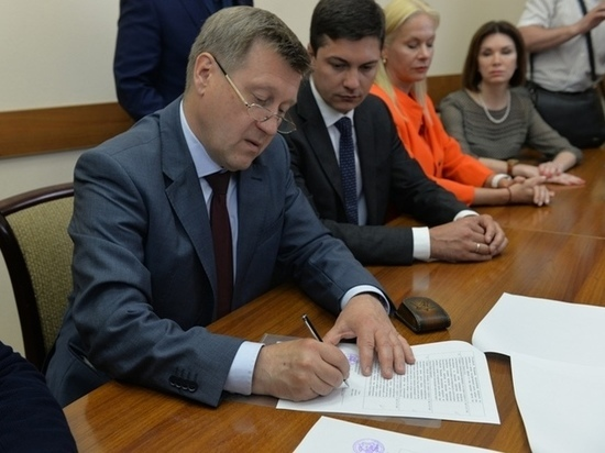 Действующий мэр Новосибирска подал документы в избирательную комиссию