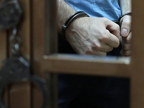 За взятку задержаны 10 сотрудников таможни «Домодедово»