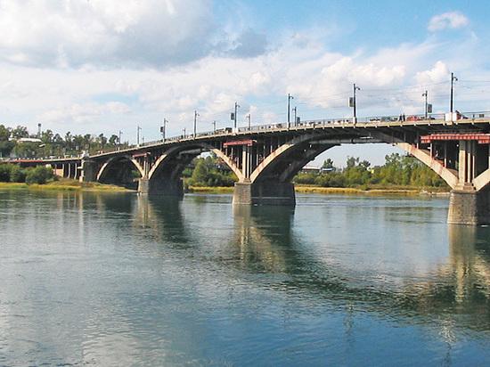 Глазковский мост в Иркутске готовят к ремонту