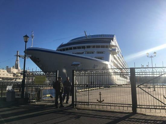 В Мурманске перекроют дороги из-за туристического лайнера
