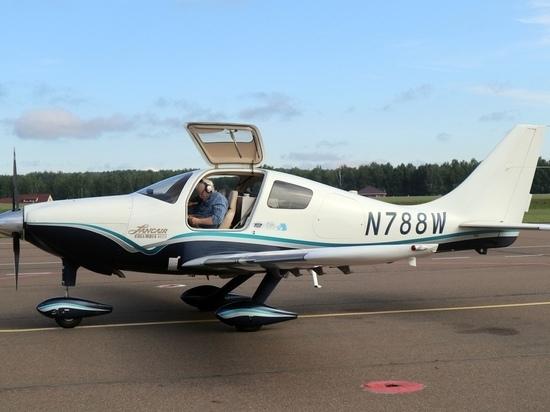 В Красноярск прилетел кругосветный путешественник на личном самолете