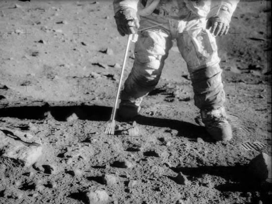 Эксперт рассказал, была ли высадка на Луне постановкой