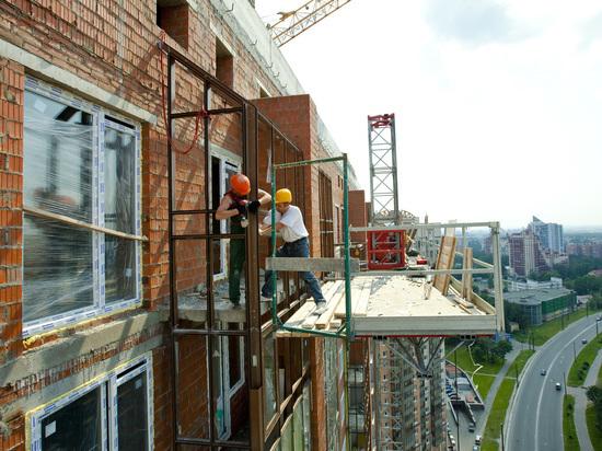 Зарплата строителей в Петербурге выросла до 59,5 тысяч рублей