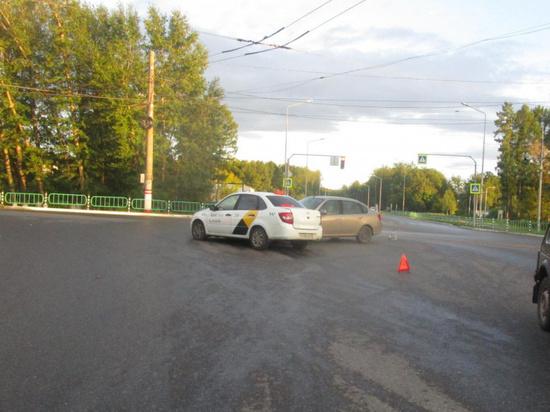 В Саранске по вине таксиста пострадали две женщины