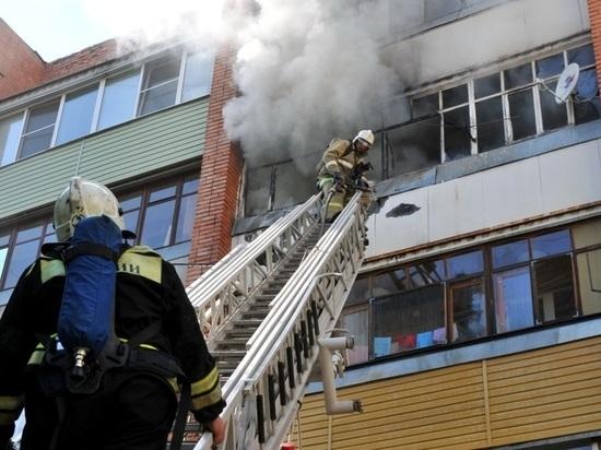 Шесть человек эвакуировали из горящего дома в Саранске