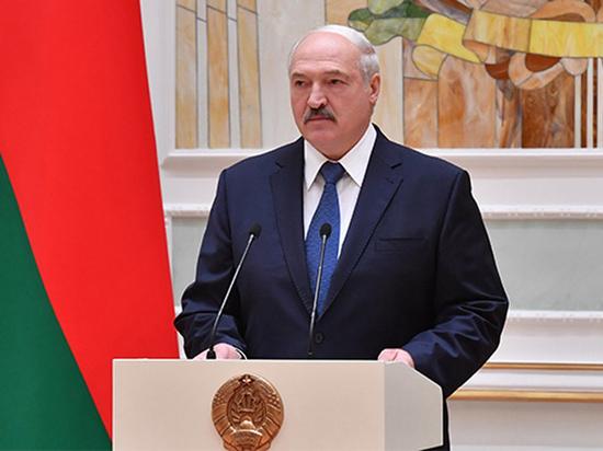 Лукашенко снова начал шантажировать Путина