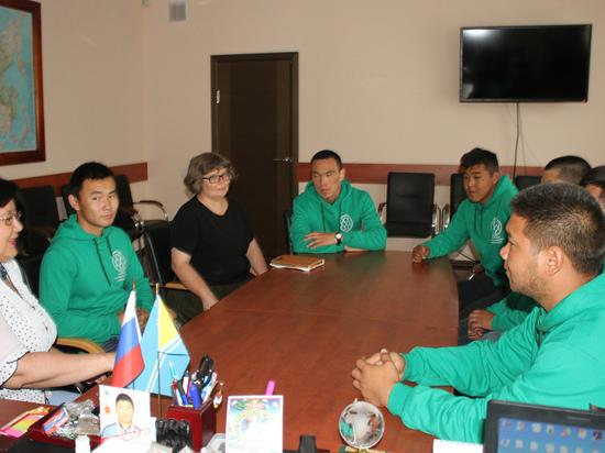 Волонтеры из Тувы отправляются в Иркутскую область