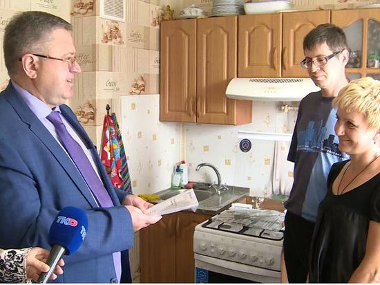 Семье погорельцев из Рязанской области подарили газовую плиту