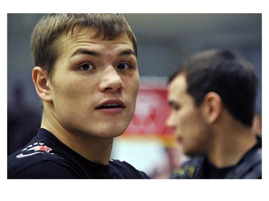 Боксер из Серпухова Федор Чудинов проведет бой на Красной площади