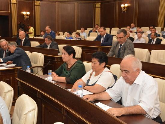 КПРФ сняли с выборов в Карачаево-Черкесии из-за внутреннего раскола