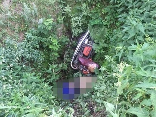 Упав в овраг, в Башкирии погиб пастух на мотоцикле