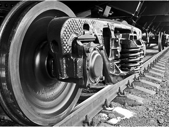Ночью на Кубани женщина погибла под колёсами поезда