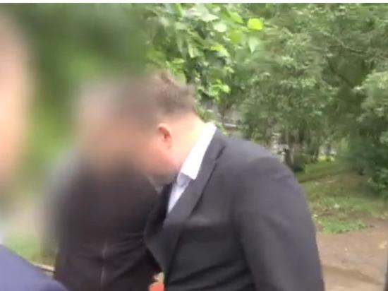 Директора кировской спортивной школы задержали за получение взятки