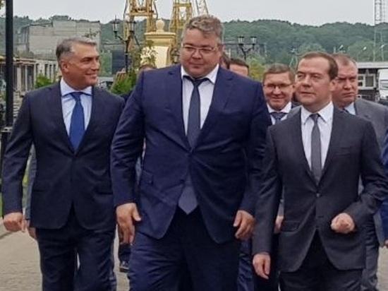 Дмитрий Медведев осмотрел строительство жилого микраройона в Ставрополе