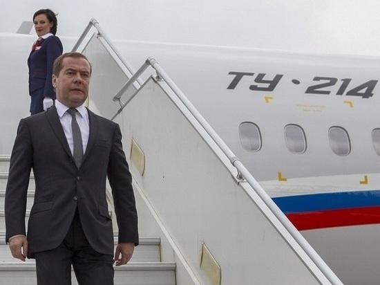 Дмитрия Медведева на Ставрополье встретил Владимир Владимиров