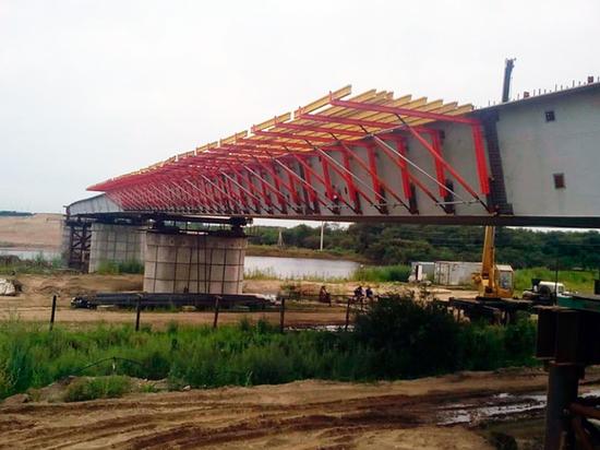 Под руководством Руслана Байсарова произошла стыковка частей моста «Благовещенск-Хэйхэ»