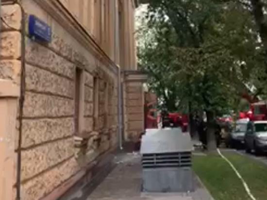При пожаре в РГАЛИ документы спасали, выбрасывая их из окна