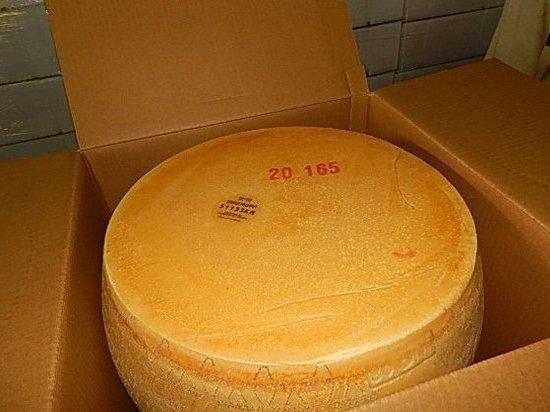 В Псковской области задержали 10 тонн деликатесов из Италии