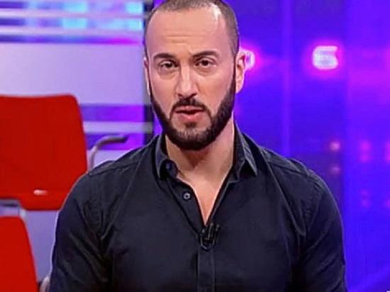 На дом скандального грузинского телеведущего Габунии прикрепили позорную табличку