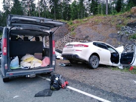 В страшном ДТП на трассе Карелии погибли два человека и пострадали девять