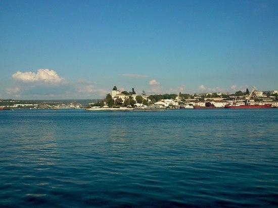 Роспотербнадзор запретил купаться на пляжах в трех крымских районах