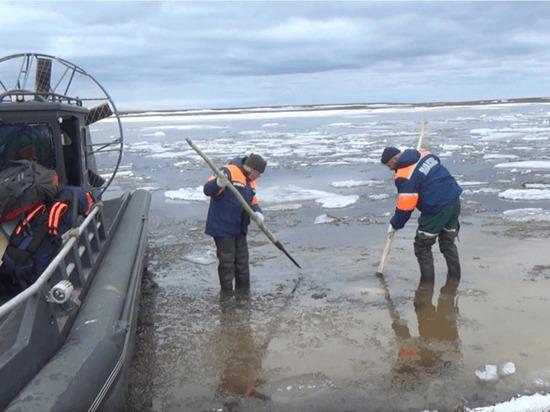 Следователи расследуют причины смерти найденного во льду трупа в ЯНАО
