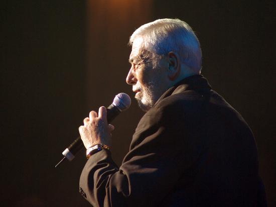 """Кикабидзе частично подтвердил """"тайные"""" выступления для россиян"""