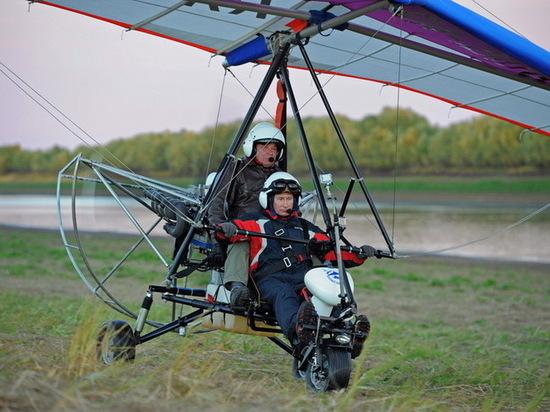 Разбившийся на вертолете Игорь Никитин в 2012 году учил  Путина летать