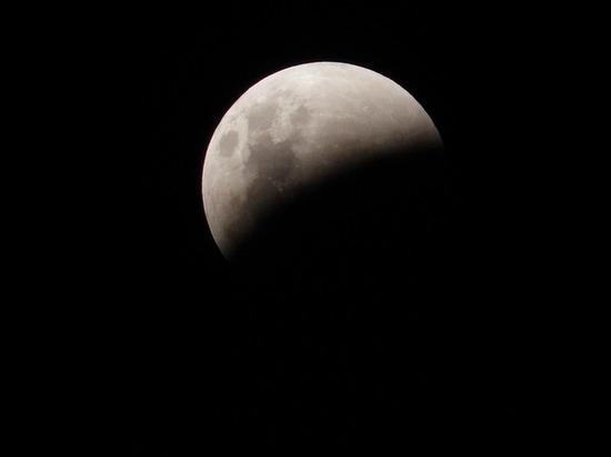 Лунное затмение 16 июля: астрологи объяснили, как подготовиться