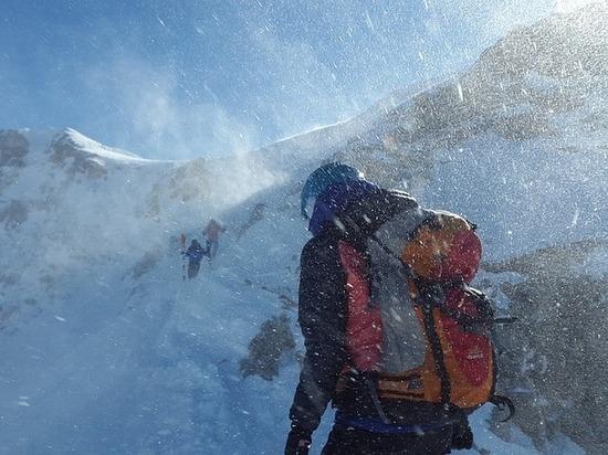 Двое альпинистов сорвались в ущелье в горах Кабардино-Балкарии