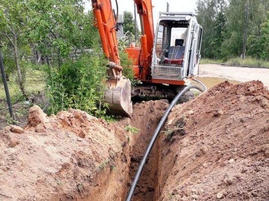 В рамках ППМИ в деревне Старицкого района восстанавливают водоснабжение