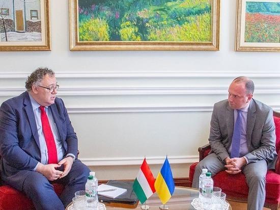 Украина обвинила Венгрию во вмешательстве во внутренние дела страны