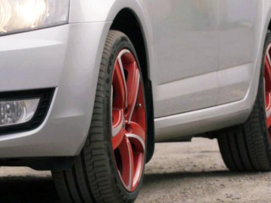 На какую ось лучше ставить новые шины, рассказали специалисты