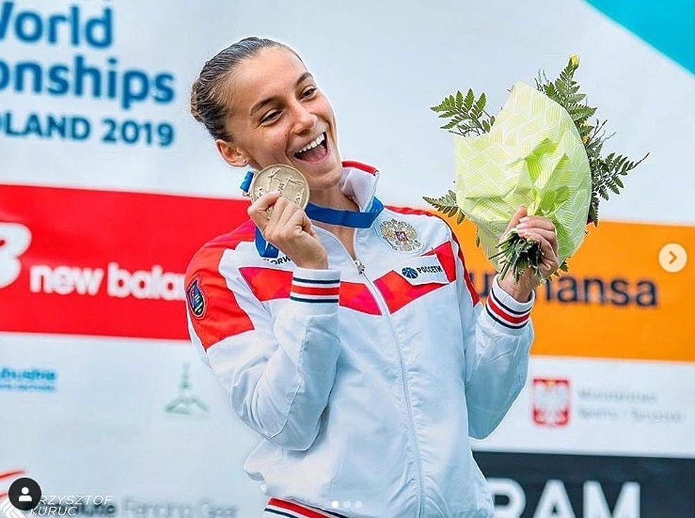 Сильнейшая юниорка мира: фото спортсменки из Нового Уренгоя