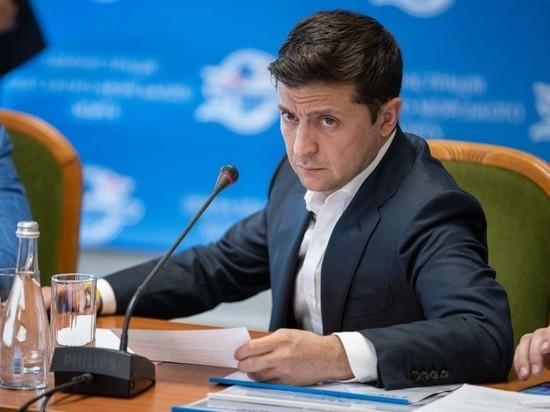 СМИ: Администрация Зеленского ограничила его в общении