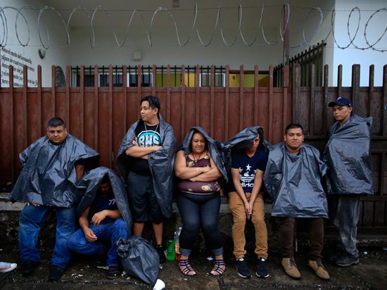 Нелегальных просителей убежища в США начнут возвращать по домам