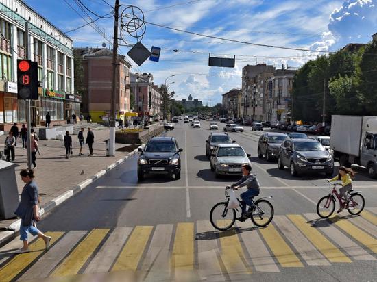 В Твери дорожным движением будут управлять умные светофоры